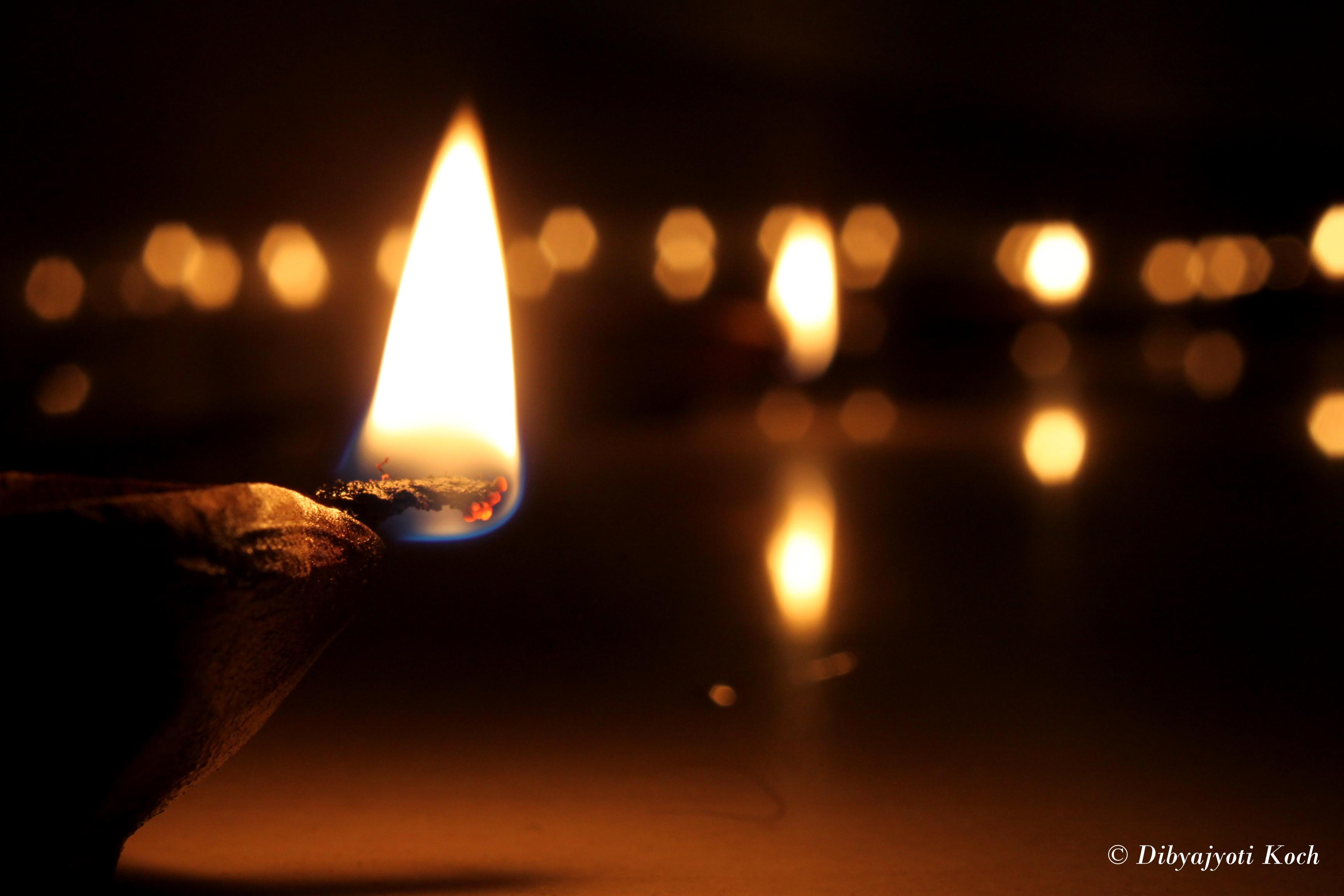 very short essay on diwali festival Article shared by diwali is one the most important festival of hindus it is  celebrated with great enthusiasm throughout the length and breadth of india it is  a.